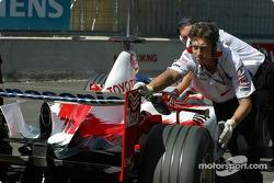 Cristiano da Matta back in the pits