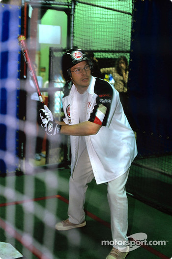 Jacques Villeneuve plays baseball