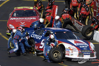 Pitstops for Jeff Burton and Ricky Rudd