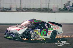Johnny Leonard looses a wheel in a crash