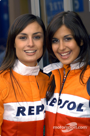 Repsol girls