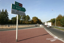 Mulsanne corner: where are the race cars?