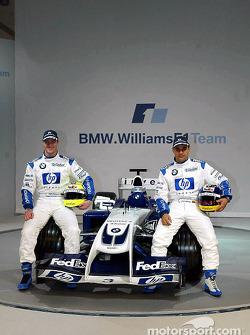 Ralf Schumacher and Juan Pablo Montoya with the new WilliamsF1 BMW FW26
