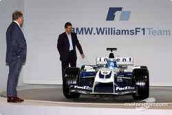 WilliamsF1 Technical Director Patrick Head and BMW Motorsport Director Dr Mario Theissen with the new WilliamsF1 BMW FW26