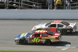Pace laps: Greg Biffle and Elliott Sadler