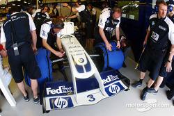Williams-BMW garage area