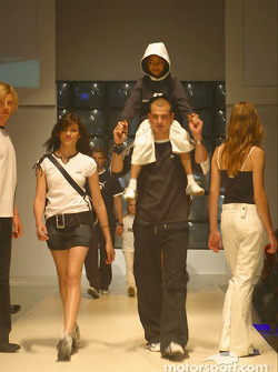 Models wearing the PUMA for BMW WilliamsF1 Team Collection