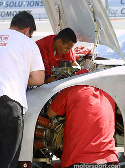 Evernham Motorsports crew members