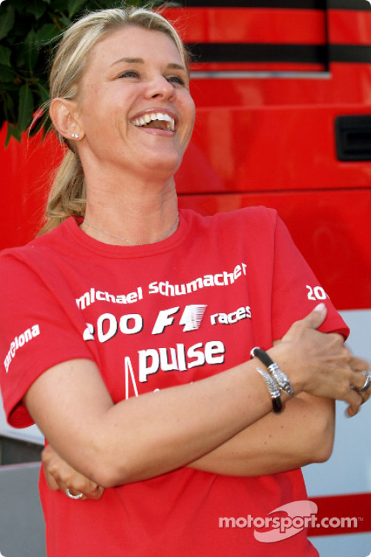 corinna schumacher at spanish gp. Black Bedroom Furniture Sets. Home Design Ideas