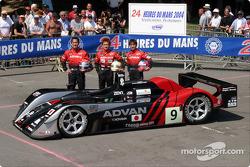 Team photo: Kondo Racing with drivers Hayanari Shimoda, Ryo Michigama, Hiroki Katoh
