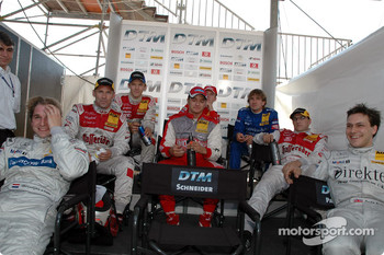 Drivers during the super pole session