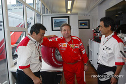 Jean Todt and Bridgestone representatives with the Limited Edition Bridgestone Formula One tyre