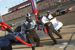 Mark Martin's team service the #6 Viagra Ford