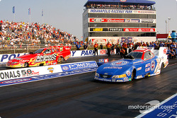 Funny Car final: Cruz Pedregon and Gary Densham