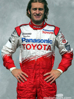 Photoshoot: Jarno Trulli in his new driver suit