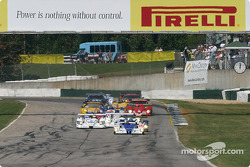 #16 Dyson Racing Team Lola EX257 AER: James Weaver, Butch Leitzinger, Andy Wallace leads the field to green flag