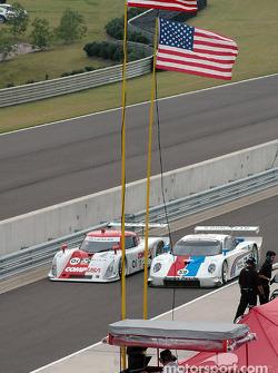 #01 CGR Grand Am Lexus Riley: Scott Pruett, Max Papis, #59 Brumos Racing Porsche Fabcar: Hurley Haywood, J.C. France