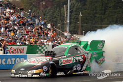 Eric Medlen takes the pole away from John Force andRon Capps