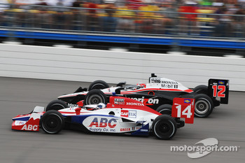 Vitor Meira, A.J. Foyt Enterprises passes Will Power, Team Penske
