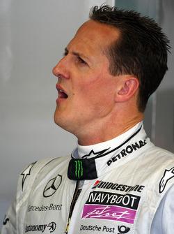 Michael Schumacher, Mercedes GP, yawning