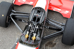 Front suspension on the Williams JPH1B F2
