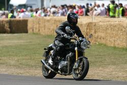 2010 Norton Commando 961: Phil Packer