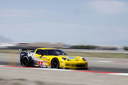 #4 Corvette Racing Chevrolet Corvette ZR1: Olivier Beretta, Oliver Gavin