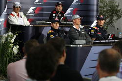 FIA press conference: Adrian Sutil, Force India F1 Team, Timo Glock, Virgin Racing, Sebastian Vettel, Red Bull Racing, Michael Schumacher, Mercedes GP, Mark Webber, Red Bull Racing