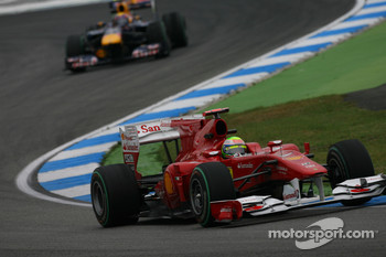 Felipe Massa, Scuderia Ferrari leads Mark Webber, Red Bull Racing