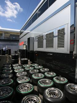 McLaren Mercedes, Bridgestone Tyres