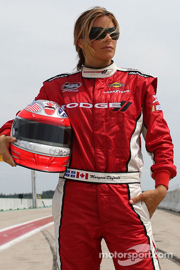 The Chrysler, Jeep, Dodge, Ram Quebec Dealers recently concluded an agreement with FAZZT Race Team racecar driver Maryeve Dufault