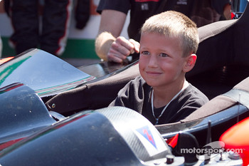 Young race fan