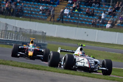 Esteban Guerrieri leads Jean-Eric Vergne