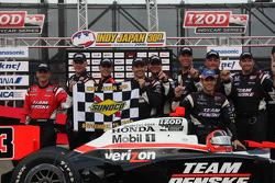Race winner Helio Castroneves, Team Penske