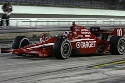 Dario Franchitti, Target Chip Ganassi Racing leaves the pits
