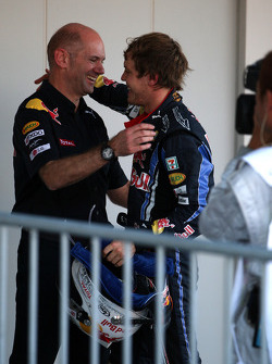 Race winner Sebastian Vettel, Red Bull Racing with Adrian Newey, Red Bull Racing, Technical Operations Director