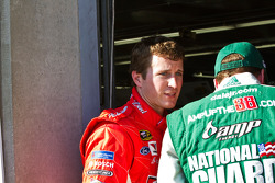 Kasey Kahne, Richard Petty Motorsports Ford and Dale Earnhardt Jr., Hendrick Motorsports Chevrolet