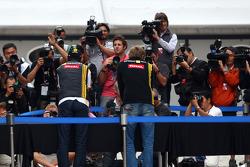 Robert Kubica, Renault F1 Team p, hand printing session