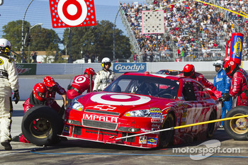 Pit stop for Juan Pablo Montoya, Earnhardt Ganassi Racing Chevrolet