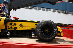 Damage to the car of Vitaly Petrov, Renault F1 Team