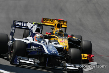 Nico Hulkenberg, Williams F1 Team and Robert Kubica, Renault F1 Team