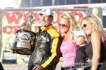 Greg Anderson and family celebrate his winning of the Full Throttle Energy Drink Pro Stock 2010 Championship