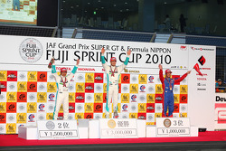 Podium: race winner Andre Lotterer, second place Kazuya Oshima, third place Koudai Tsukakoshi