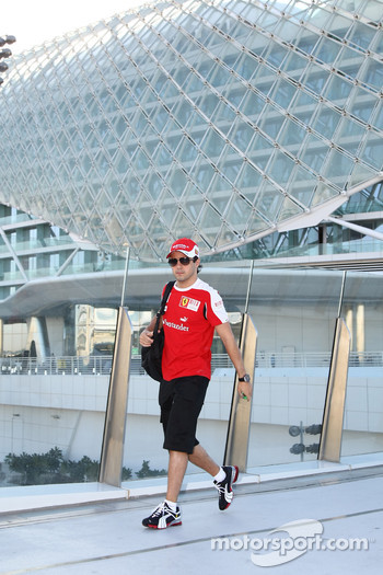 Felipe Massa, Scuderia Ferrari walks over to the circuit