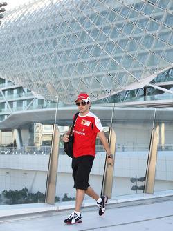 Felipe Massa, Scuderia Ferrari walks over to the circuit