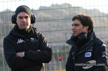 Marc Hynes with Jérome d'Ambrosio, Marussia Virgin Racing