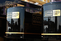 Lotus Renault GP, trucks