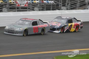 Dale Earnhardt Jr., Hendrick Motorsports Chevrolet and Kasey Kahne, Red Bull Racing Team Toyota
