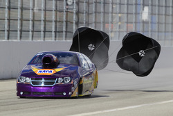 Vincent Nobile deploys his parachutes aboard the Mountain View Tire Dodge Avenger