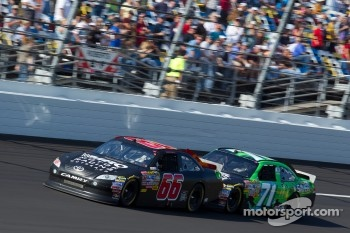 Michael McDowell, HP Racing Toyota and Andy Lally, TRG Motorsports Chevrolet